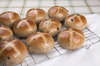 Recipe: Hot cross buns