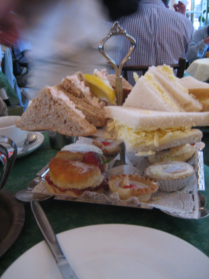 By Dani from London, United Kingdom (high tea platter of deliciousness 01) [CC-BY-2.0 (http://creativecommons.org/licenses/by/2.0)], via Wikimedia Commons
