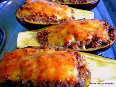 Picture taken from http://ramandaspicypassion.blogspot.com/2013/11/stuffed-aubergines-brungiel-mimli.html
