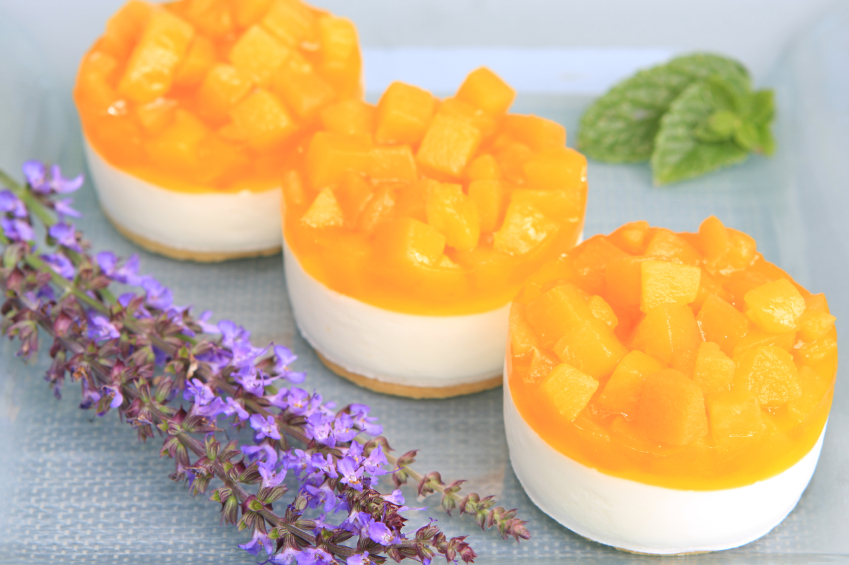 Recipe Frozen pineapple cream cheese torte