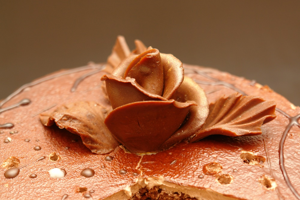 recipe for sugar paste and sweet rose cake decorations