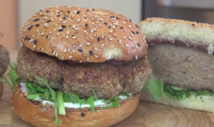 Video recipe: Pork sausage burgers