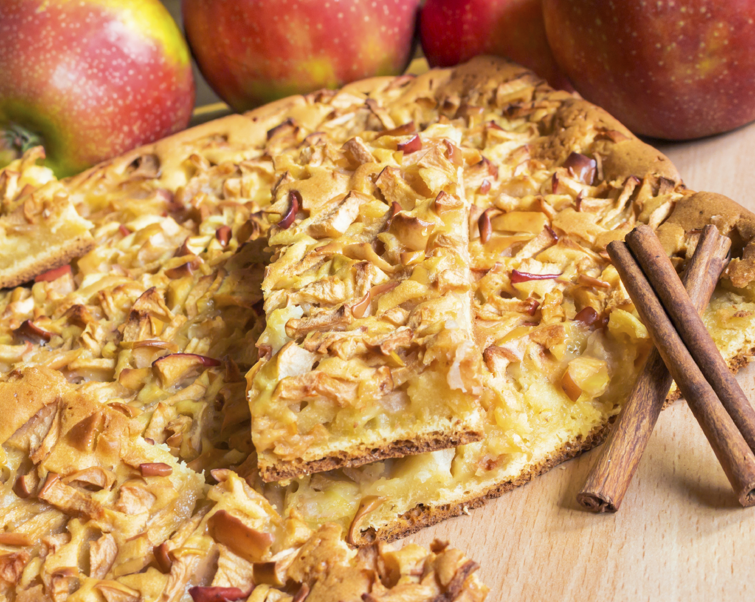 Recipe: Homemade apple and cinnamon cake