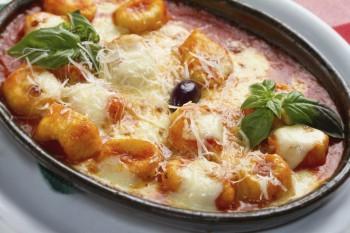 Riċetta: Gnocchi tal-patata fil-forn biz-zalza marinara