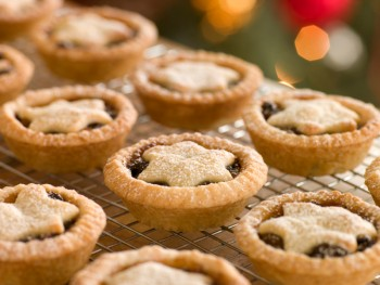 Recipe: Mince pies with carob syrup