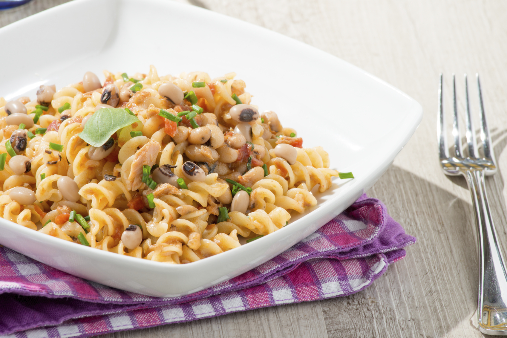Recipe Baked pasta with beans, tomatoes and ġbejna