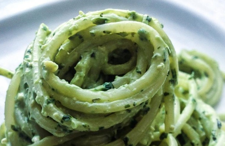 Recipe: Chickpea basil pesto