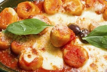 Riċetta: Gnocchi tal-irkotta biz-zalza tat-tadam u prosciutto
