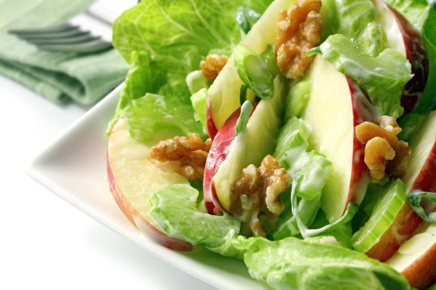 leftover turkey waldorf salad Riċetta: Insalata tat-tuffieħ, karfus u indivja bil-laħam tad-dundjan