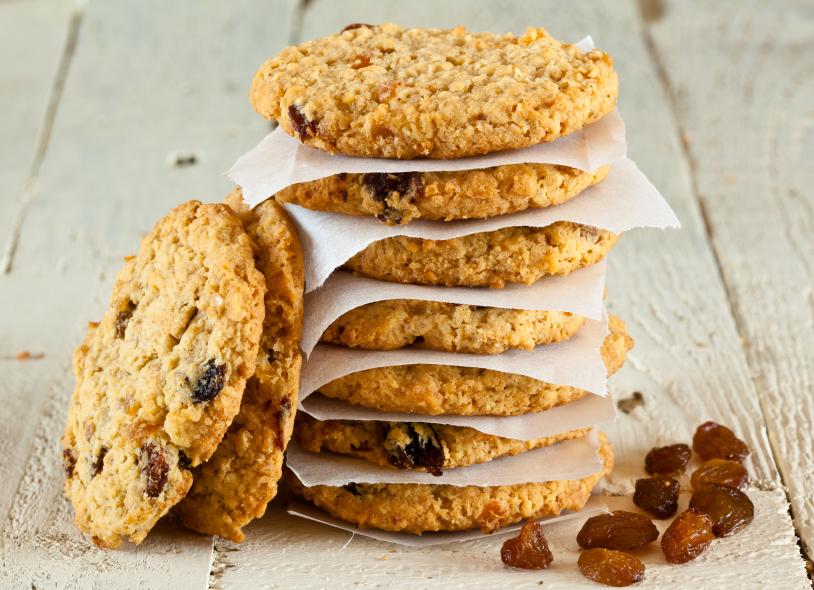 Riċetta: Gallettini bl-oatmeal u ż-żbib (Oatmeal Raisin cookies)