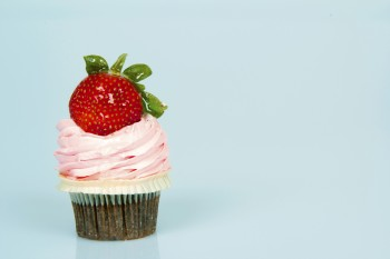 Recipe: Chocolate cupcakes with strawberries