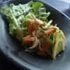 Crab salad with pears and walnuts Insalata tal-granċ, lanġas u ġellewż