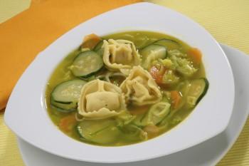 Vegetarian soup with tortellini, Riċetta veġetarjan: Soppa tal-ħaxix bit-tortellini
