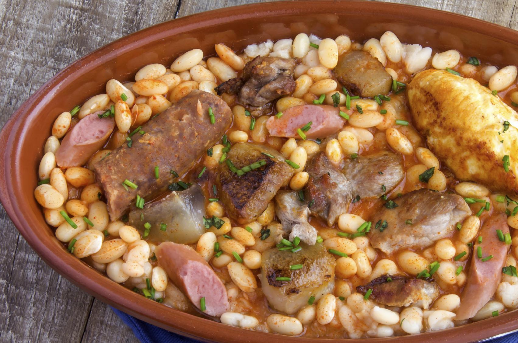 Pork and beans cassoulet Riċetta Cassoulet tal-majjal u fażola