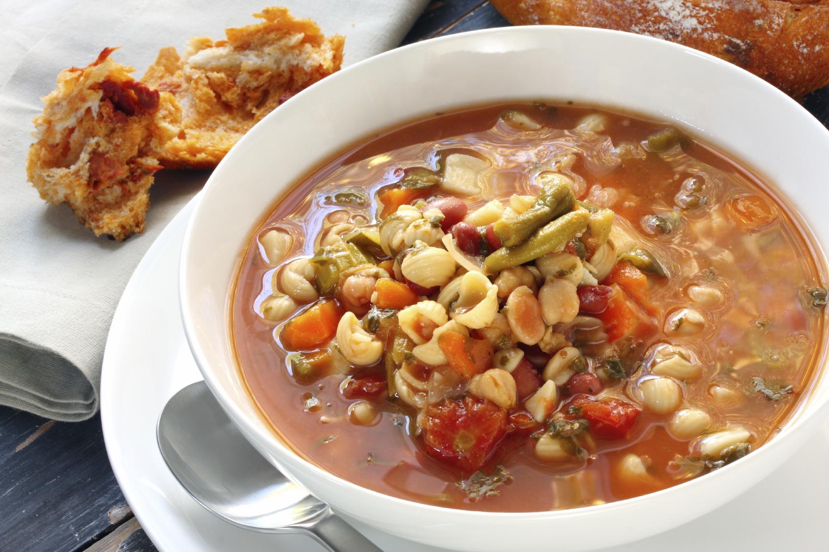Lamb soup with pasta shells : Soppa tal-ħaruf bl-għaġin bebbux