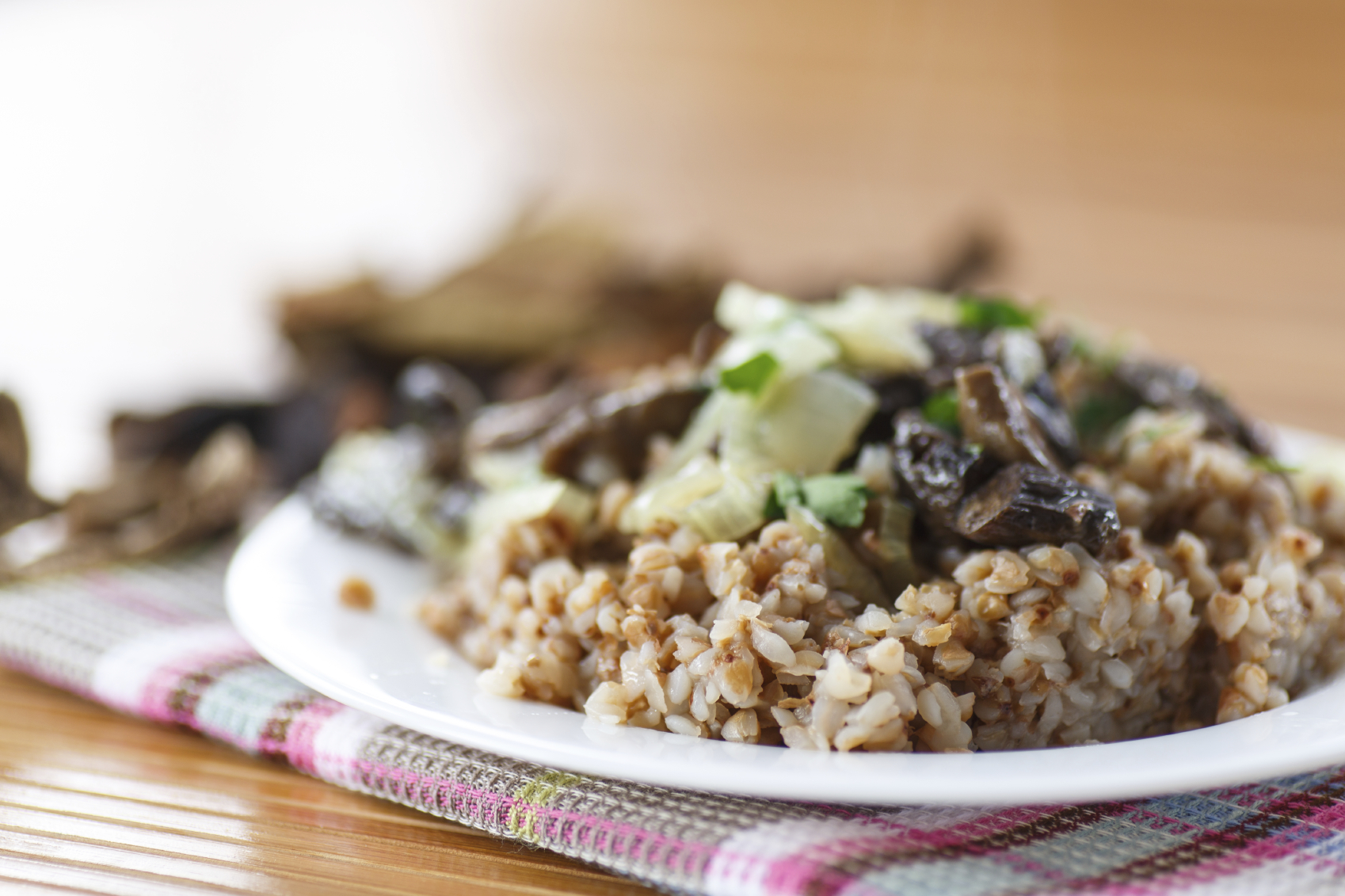 Barley with mushrooms: Xgħir (barley) bil-mushrooms