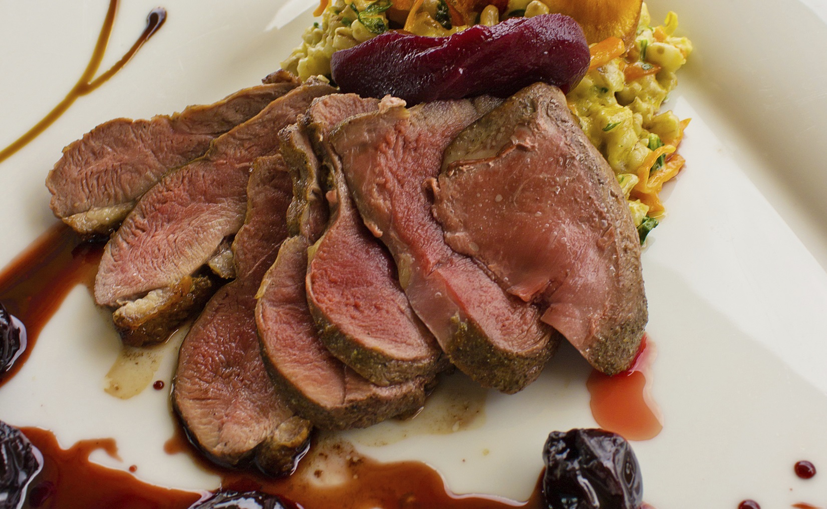 Recipe: Duck breast with pepper and blackcurrant sauce