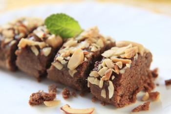 Lenten Almond Cake: Kwarezimal