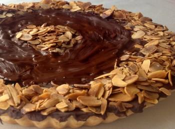Traditional recipe: Almond and chocolate tart (torta tal-marmurat)