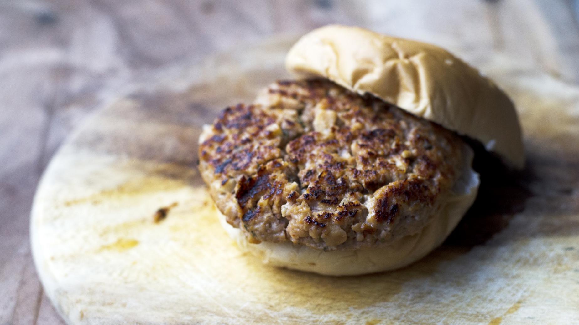 Quick Maltese sausage burgers