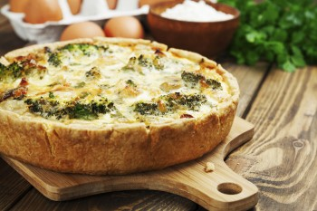 Quiche with green vegetables: Quiche bil-ħaxix aħdar