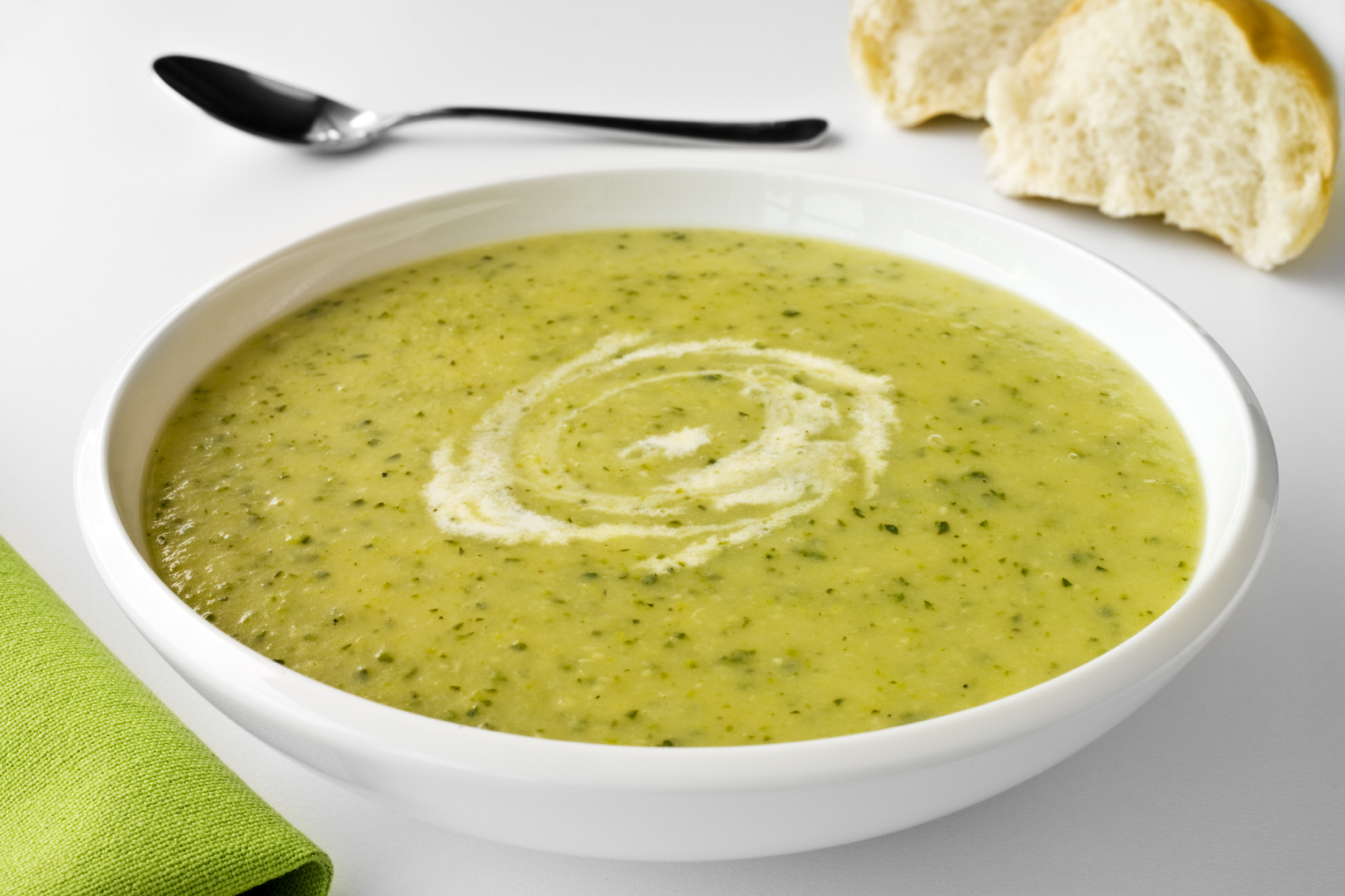 courgette soup with blue cheese: Soppa tal-qarabagħli bil-ġobon tat-tursina