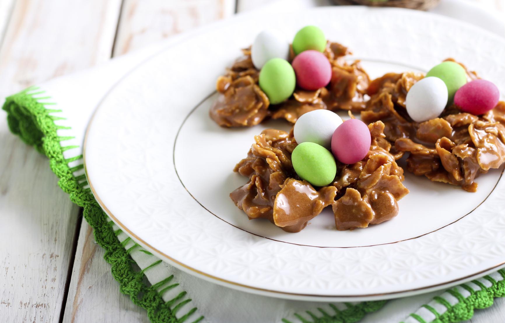 Easter cornflake nests: Bejtiet tal-cornflakes għall-Għid