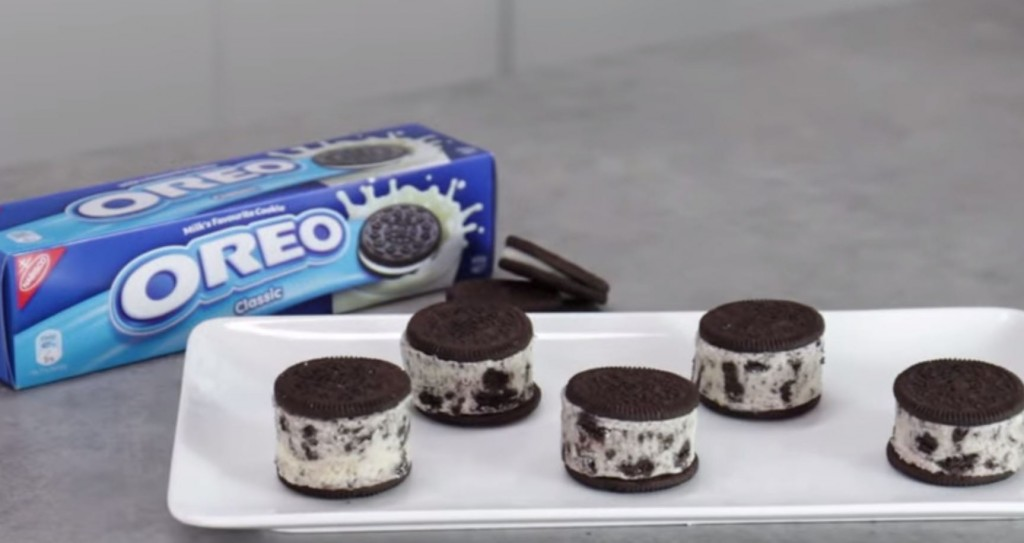 Oreo-icecream-sandwiches-
