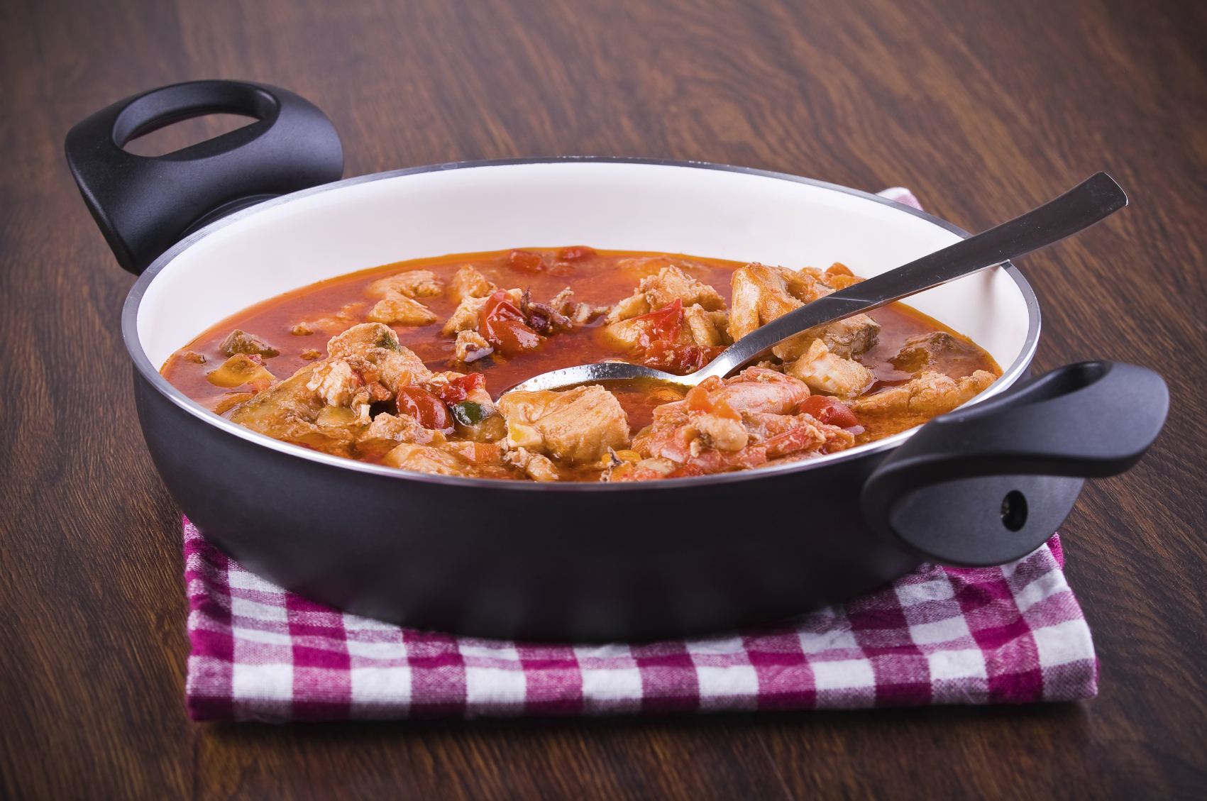 Cuttlefish stew , sausage and chickpeas : Stuffat tas-siċċ, zalzett u ċiċri