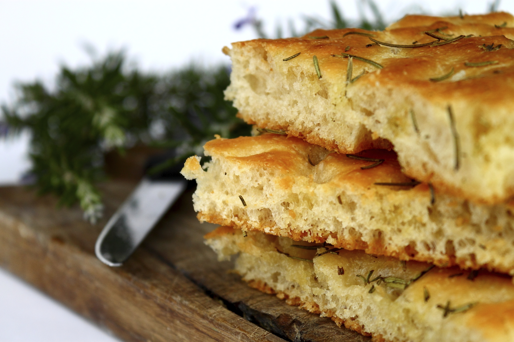 Yeastless potato and rosemary foccacia