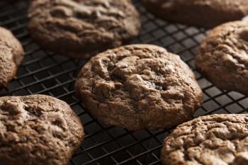 Riċetta: Cookies tal-ġinġer u ċ-ċikkulata (Cadbury)
