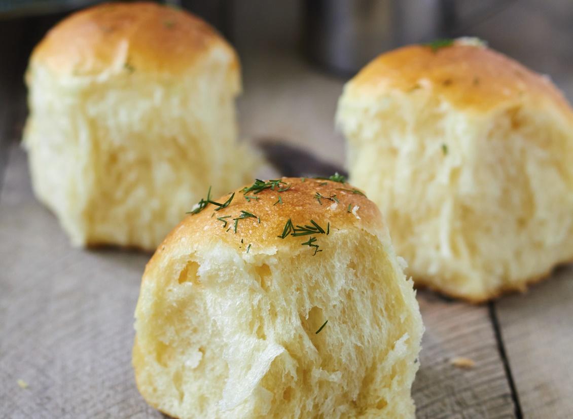 Bread with herbs- Ħbejżiet bil-ħxejjex aromatiċi