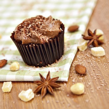 Recipe: Chocolate hazelnut cupcakes with Stevia and no added fats