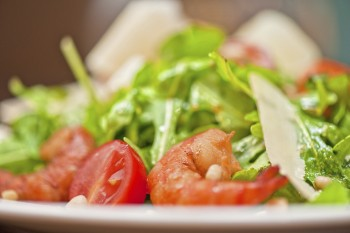 Recipe: Prawn and rocket salad