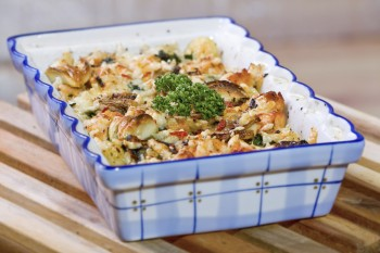 Chicken, artichoke and gbejniet casserole