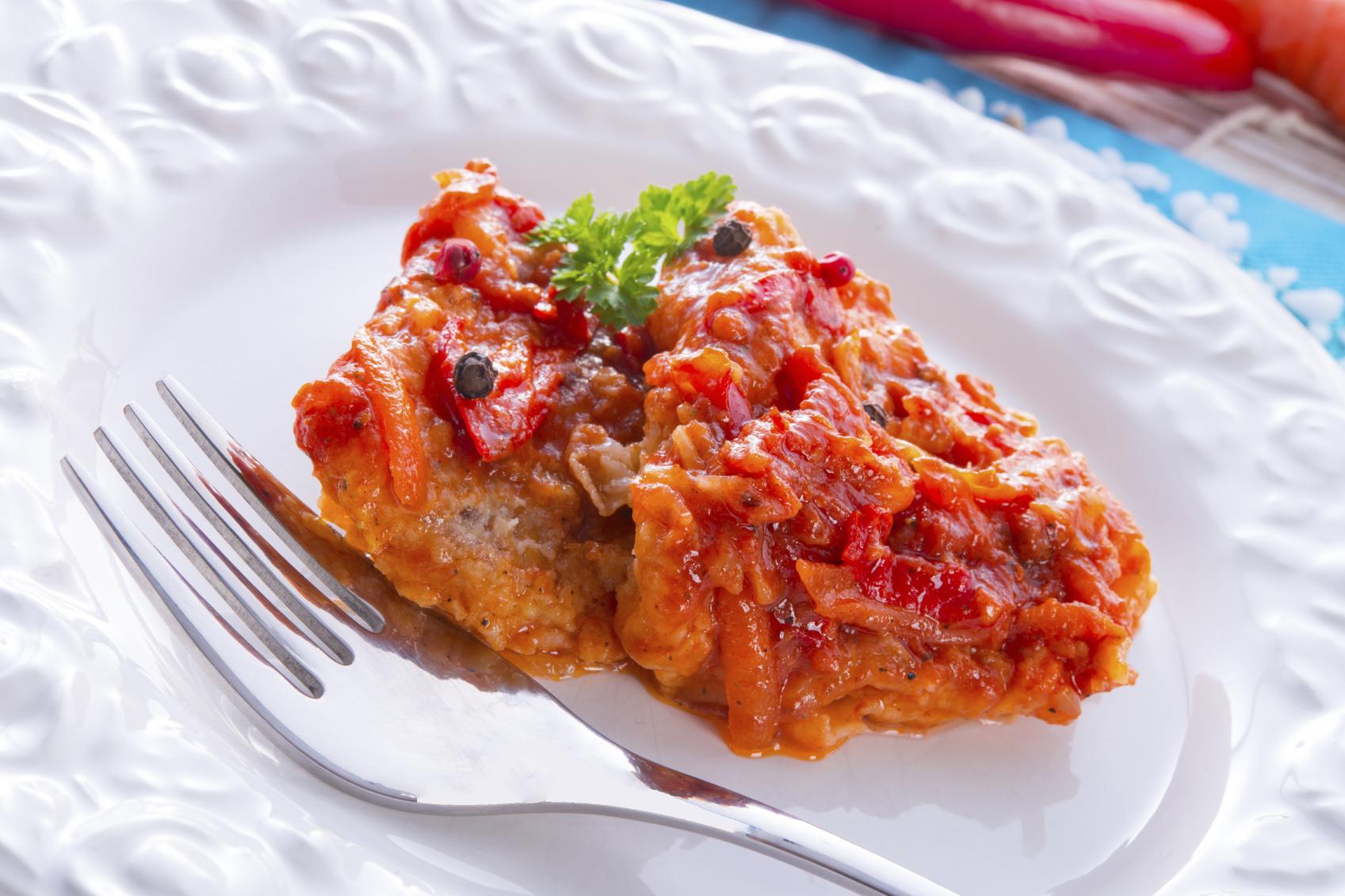 Grouper fillets in tomato sauce- Ċerna b'zalza tat-tadam u ħabaq