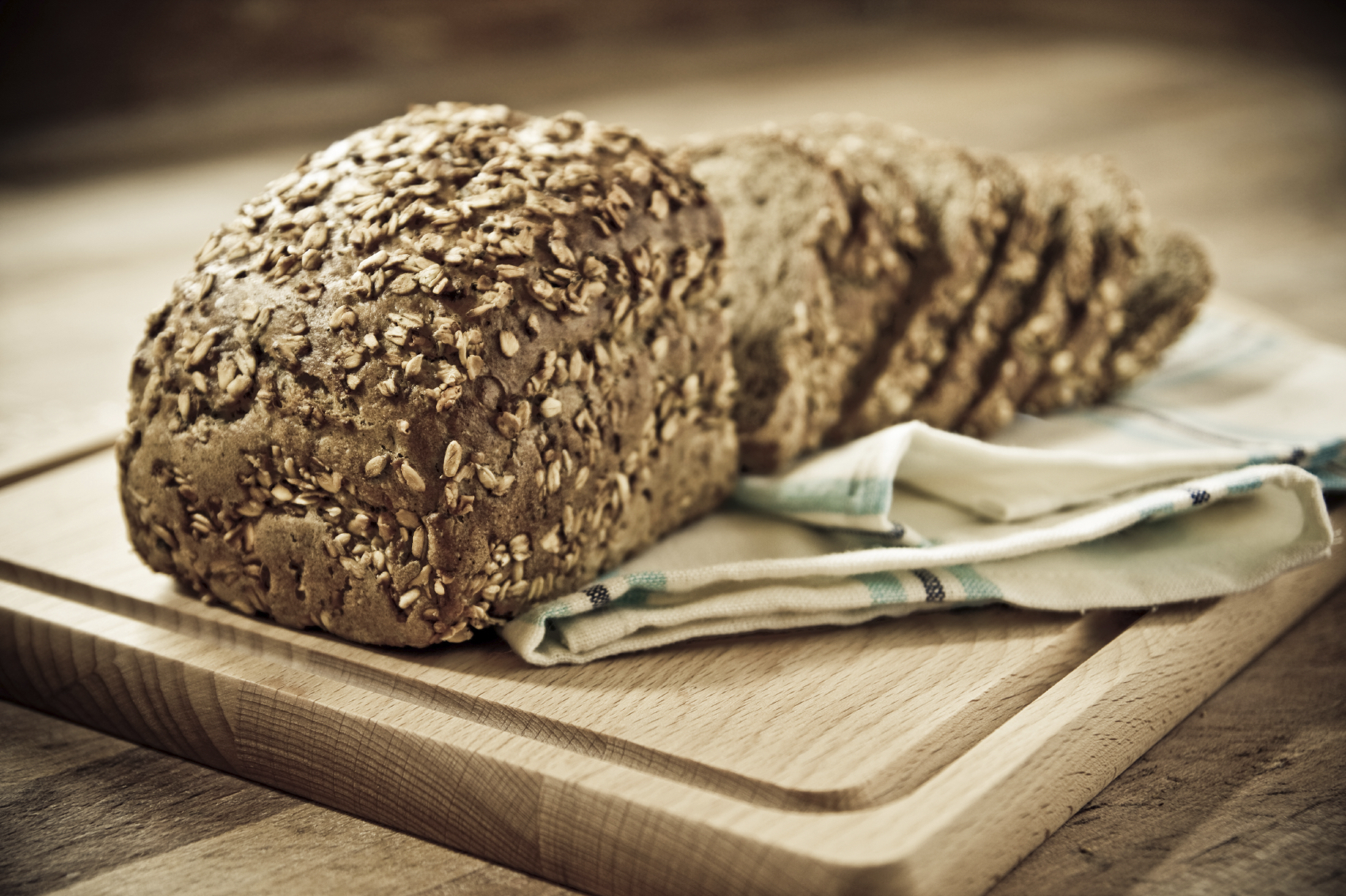 Oat and marrow bread