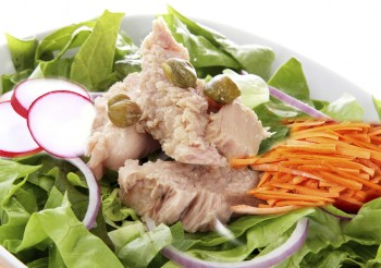 Tuna, radish and carrot salad