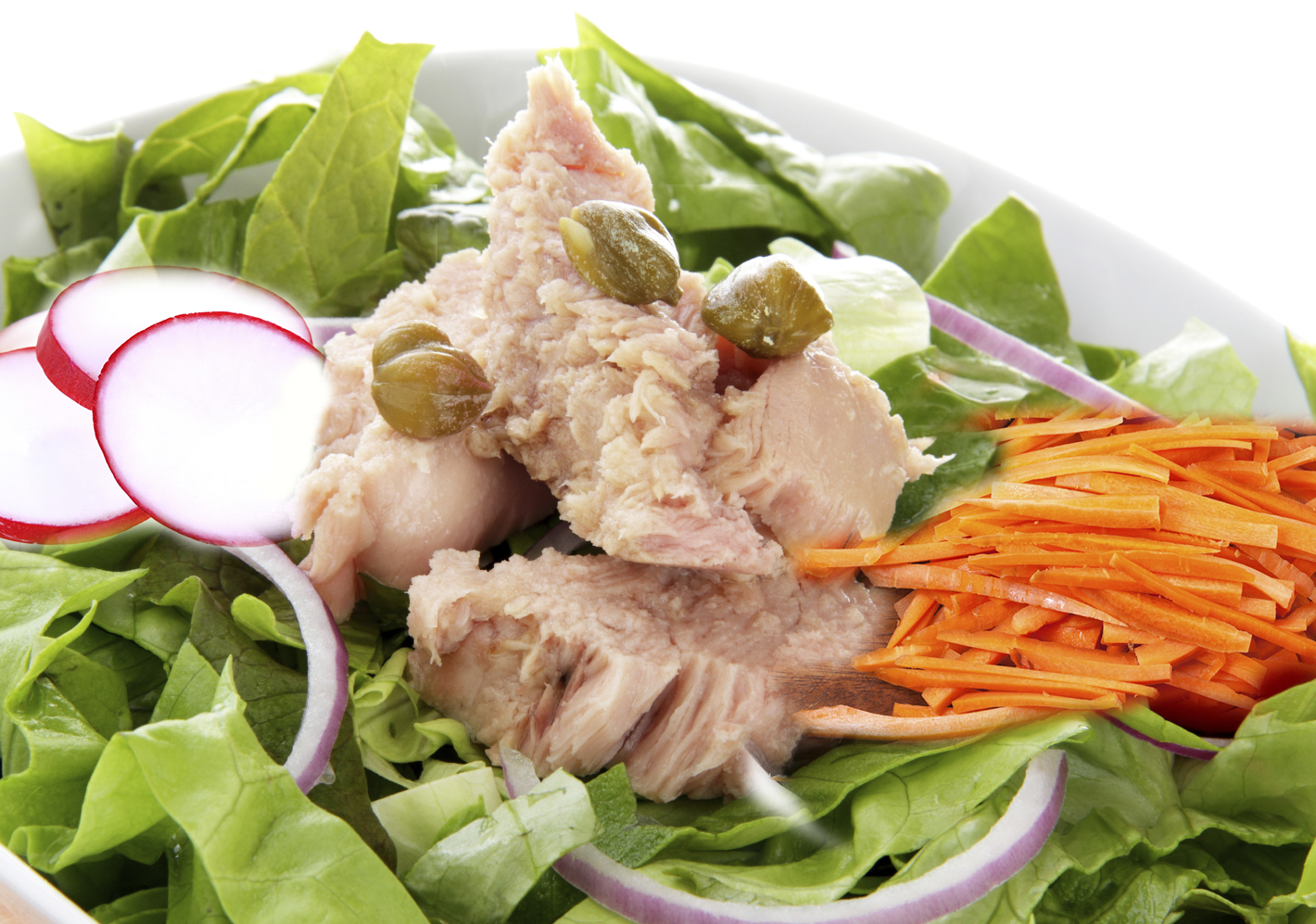 Tuna, radish and carrot salad