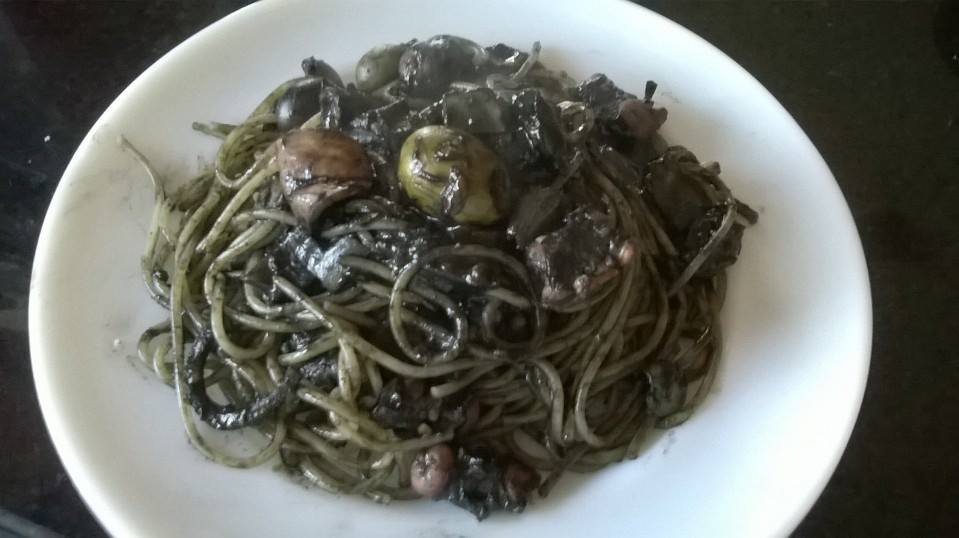 Spaghetti with squid and squid ink