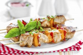 Riċetta: Kebabs taċ-ċanga fuq il-kuskus