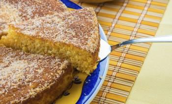 Riċetta: Torta ħafifa tal-ġewż tal-indi (coconut)