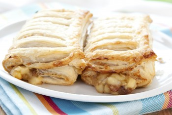 Peach and pecan nut strudel