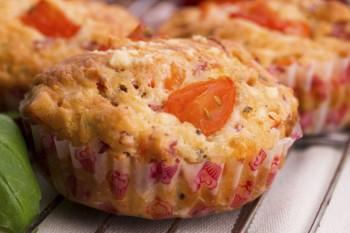 Riċetta: Muffins b'togħma ta' pizza