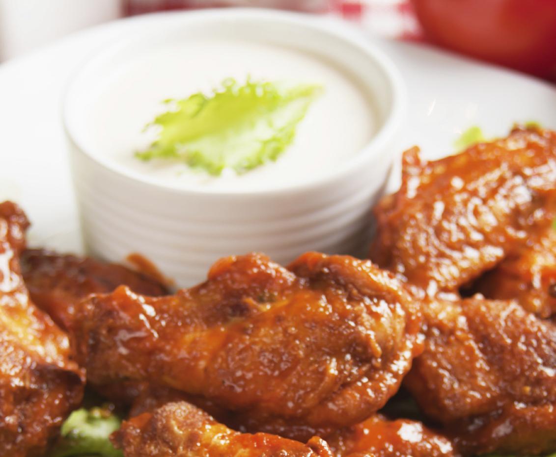 Curry wings with yoghurt dip