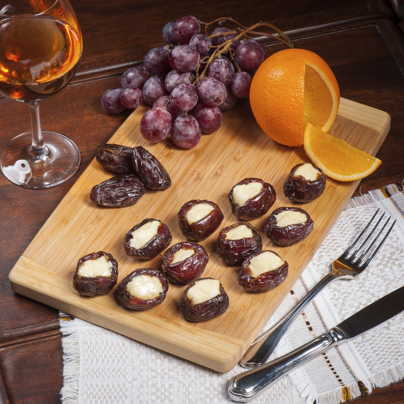 Stuffed dates with ricotta