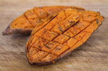 Recipe: Baked sweet potatoes with ricotta and olives