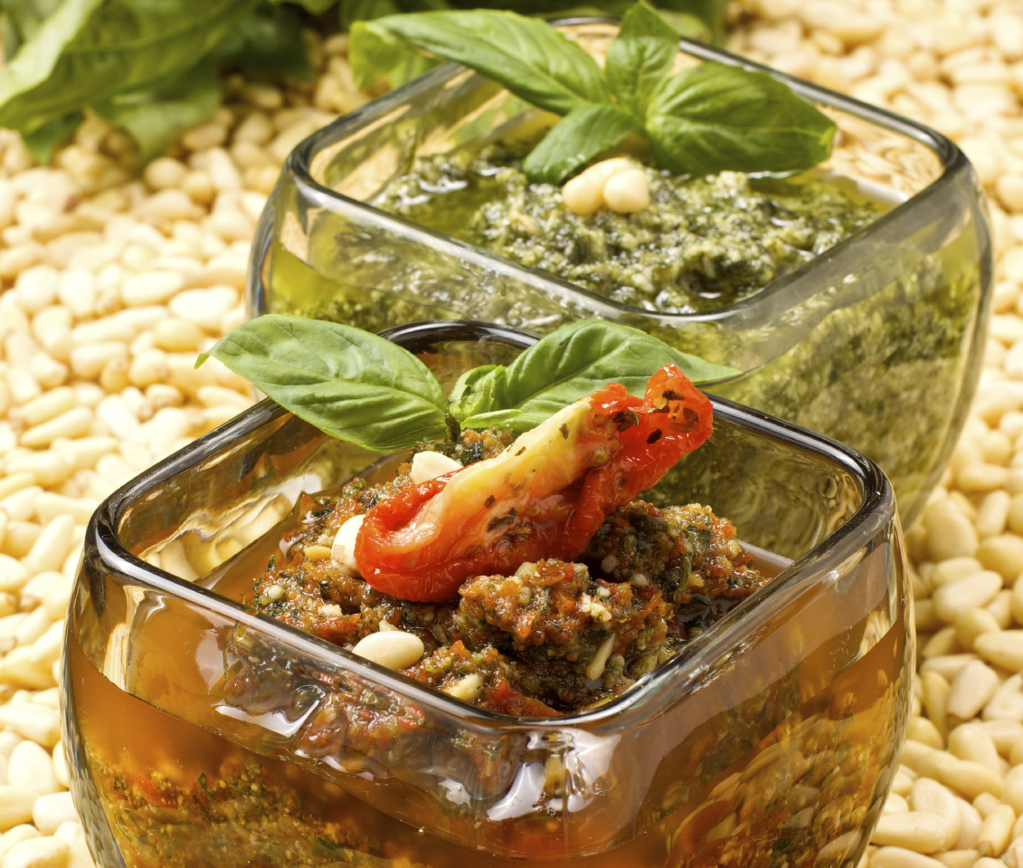 Basil pesto and sundried tomato pesto